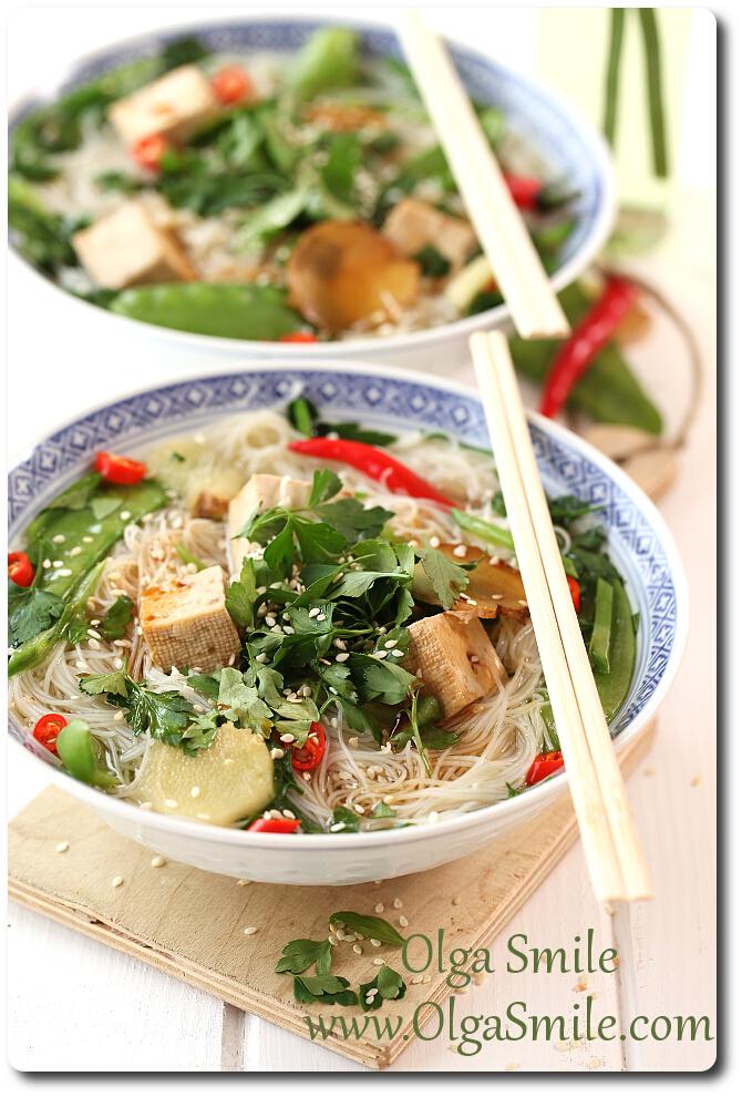 Zupa Chinska Z Tofu Makaronem Ryzowym Groszkiem I Sezamem Przepis