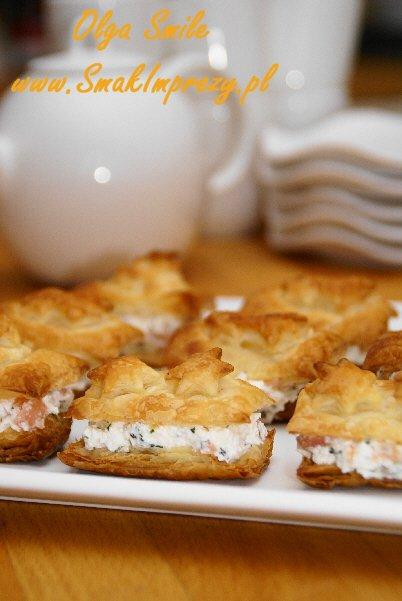 Ciasto francuskie z łososiem