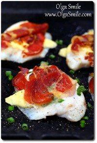 Ryba pieczona z szynką