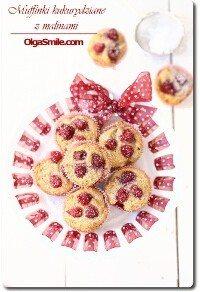Muffinki kukurydziane z malinami