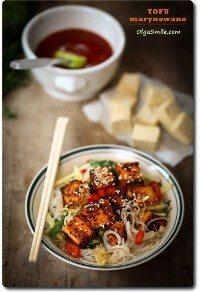 Miska zupy z marynowanym tofu Olgi Smile
