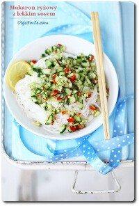 Makaron ryżowy z lekkim sosem