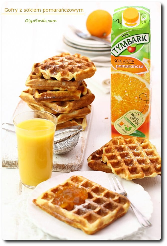 Gofry z sokiem pomarańczowym