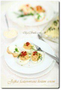 Jajka faszerowane kozim serem