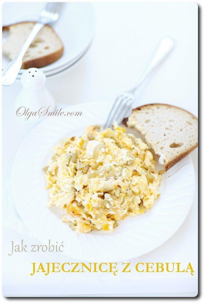 Jak zrobić jajecznicę z cebulą