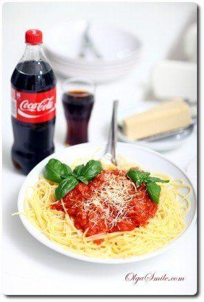69289-makaron-z-sosem-pomidorowym
