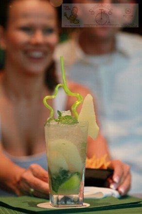 Olga z drinkiem mojito