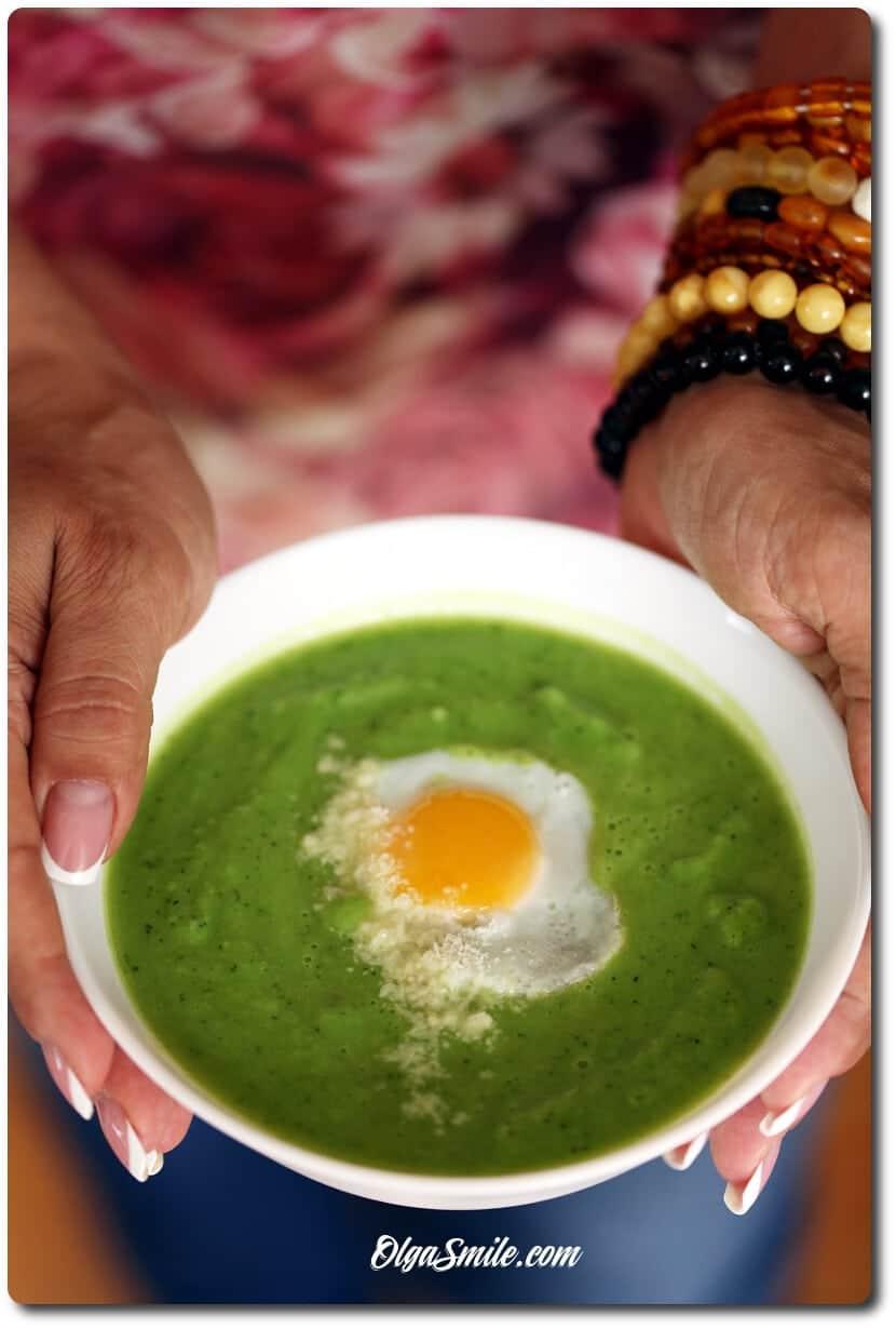 Zupa z groszku, brokułów i cukinii – serwowana na zimno