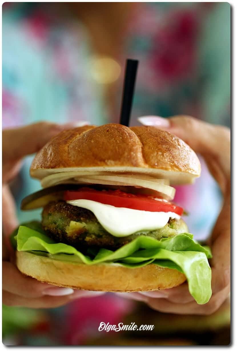 Burger wegetariański z Majonezem Kieleckim Lekkim