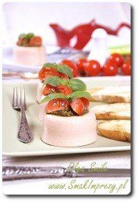 Galaretka pomidorowa z bazylią i pesto