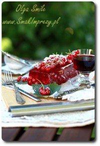 Galaretka truskawkowa z czerwonymi porzeczkami i wiśniówką