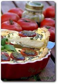 Tarta pomidorowa z kozim serkiem