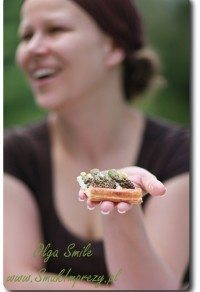 Tarta ze szparagami na cieście francuskim