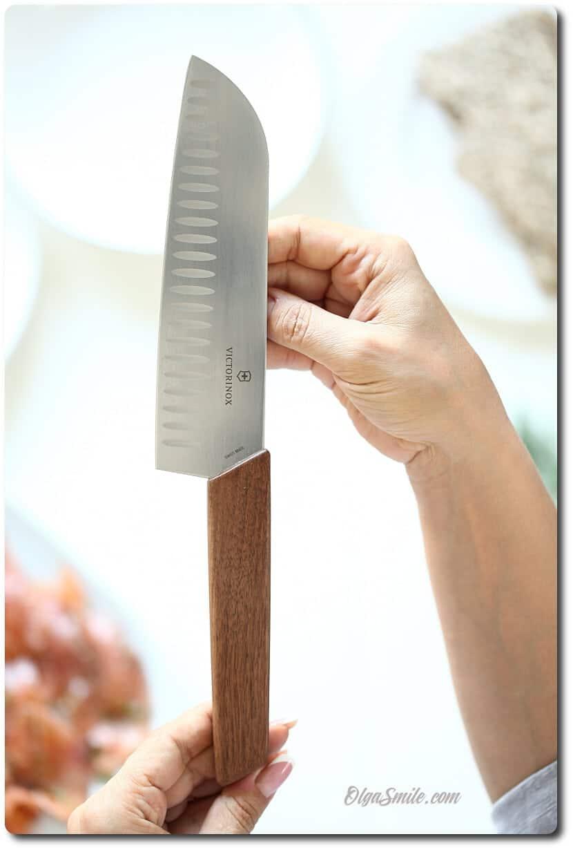 Nóż Santoku Victorinox kolekcja Swiss Modern