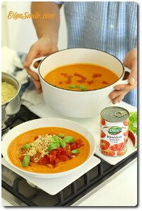 Zupa pomidorowa z pomidorów w puszce i kaszy jaglanej